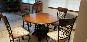 Kitchen table and 4 chairs for Sale in Ontarioville, IL