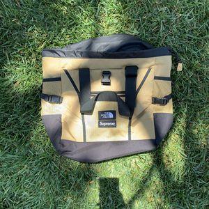 North face supreme tote bag for Sale in Bonita, CA