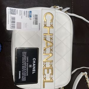 AUTHENTIC CHANEL CROSS BODY PURSE for Sale in Sylmar, CA