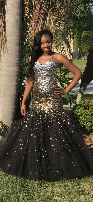 Prom Dress size 8 for Sale in Ruskin, FL