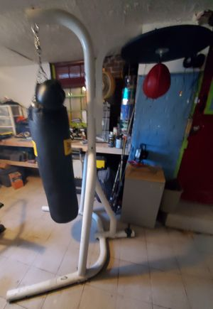 Punching bag & speed bag stand with gloves for Sale in Meriden, CT