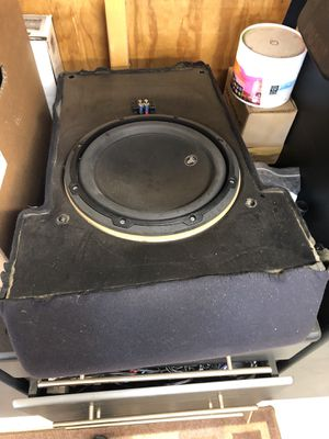 Jl audio stealth box 2007 f250 middle front seat speaker is upgraded to a 10v3 for Sale in Bensenville, IL
