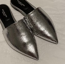 Michael Kors Darla Leather Mules 5.5 for Sale in Pittsburgh,  PA