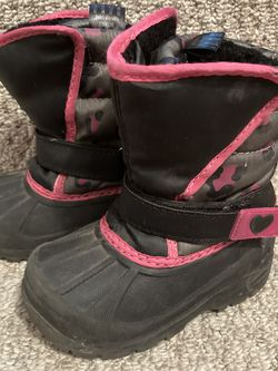 Snow boots, toddler size 6 for Sale in San Diego,  CA