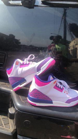 Jordan 3 Retro Barely Grape (GS) SIZE 6.5 WOMEN for Sale in Oakland, CA