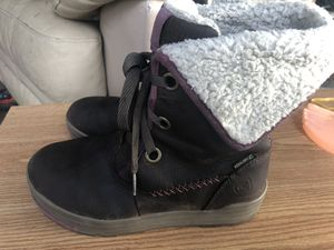 Keen Dry 53015-BRGN Women's Gray/Brown Suede Leather Faux Fur Winter Boots Size 7.5 for Sale in Kent, WA