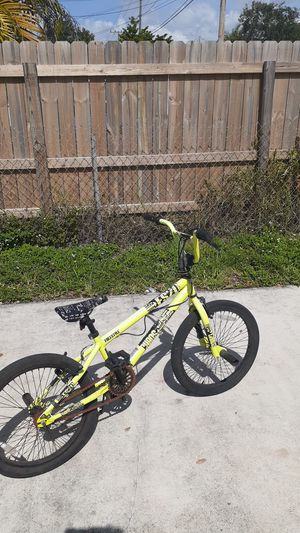 """Kent freestyle 20"""" bmx bike with kickstands for Sale in Miami, FL"""