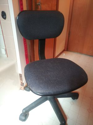Office/desk rolling chair for Sale in Tacoma, WA