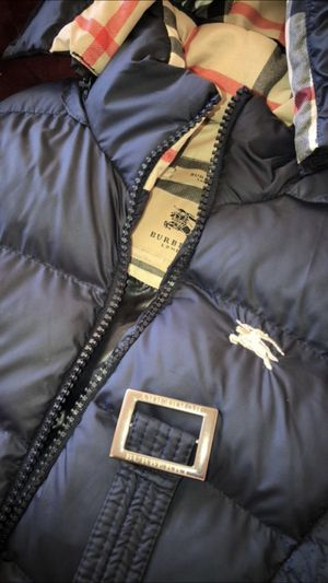 WOMANS BURBERRY for Sale in Seattle, WA