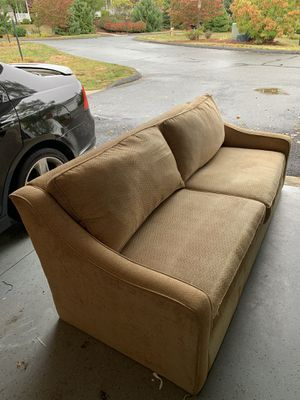 Couch FREE for Sale in Ellington, CT