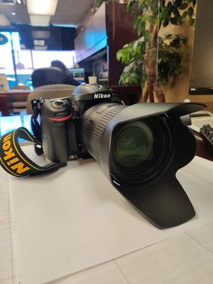 Nikon D7200 and with nikon 28-300 lens. Like new for Sale in Plano, TX