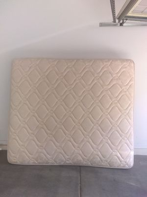 Free king size Sealy Posturepedic with box springs and metal frame. You must pick up. Is in great condition. for Sale in Phoenix, AZ