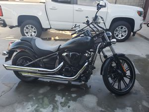 LIKE NEW MOTORCYCLE / Kawasaki Vulcan 900 custom for Sale in Riverside, CA