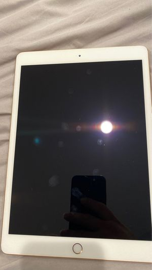 iPad 7 generation for Sale in Bellflower, CA