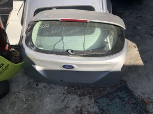 2012 ford focus hatchback rear teunk for Sale in Miami, FL