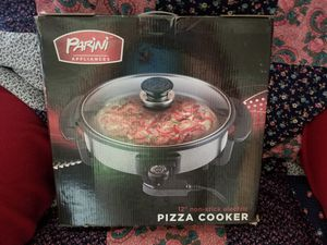 """Pizza cooker.. 12"""" non stick electric..brand new..made by. Parini for Sale in Monterey Park, CA"""