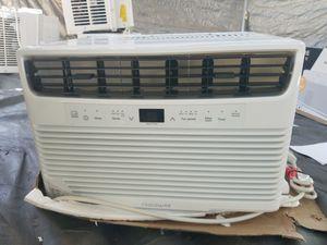 LIKE NEW 250 SQ. FT. AC 6000 BTU FRIGIDAIRE WINDOW AIR CONDITIONER FFRA0622U1 UNIT ONLY for Sale in Garden Grove, CA
