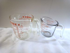 PYREX 2 Cup & ANCHOR 1 Cup Glass Measuring Cups for Sale in Lake Forest, CA