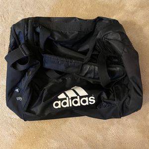 Adidas duffle bag for Sale in Bellevue, WA