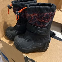 Colombia Waterproof Toddler Boots Size 6 for Sale in Miami,  FL