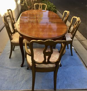 Dining Room Table with two extensions and 6 chairs, for Sale in San Diego, CA