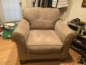 Living room chairs (2 available) for Sale in Gaithersburg, MD