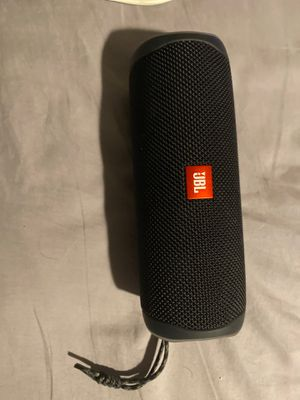 JBL FLIP 5 NEVER USED JUST LOST BOX for Sale in Glendale, CA