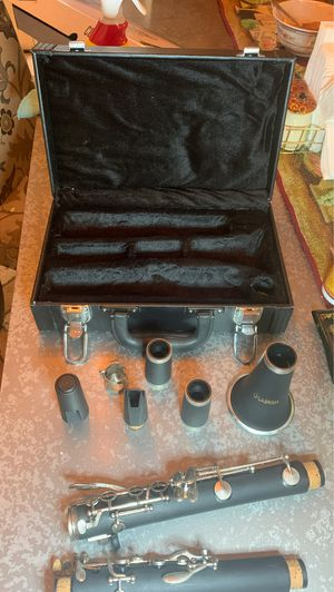 LAGRIMA. CLARINET and STARTER PACK for Sale in Fontana, CA