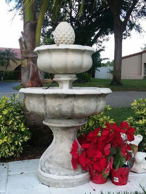 Fountain $260 , 3 pieces , not heavy for Sale in Pompano Beach, FL