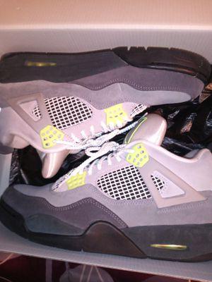 Jordan retro 4 size 9.5 for Sale in Vallejo, CA