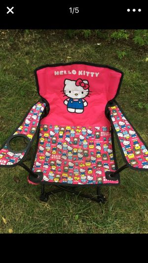 Tiny little hello kitty chair for Sale in Dearborn, MI