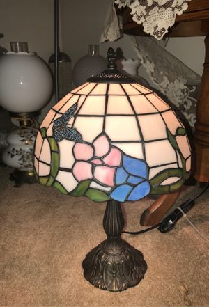 """20.5"""" ANTIQUE TIFFANY STYLE HEAVY LAMP W STAINED GLASS & EMBOSSED BUTTERFLIES w/ cord switch for Sale in Plainfield, IL"""