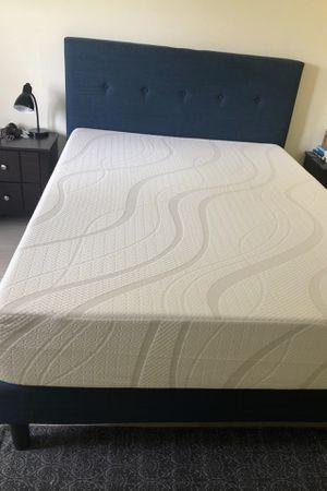 Queen Bed - almost new for Sale in St. Petersburg, FL