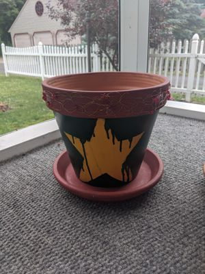 Rustic Style Star Clay Pot for Sale in Watsontown, PA
