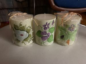Candle set of 3 with floral print for Sale in Saint ANTHNY VLG, MN