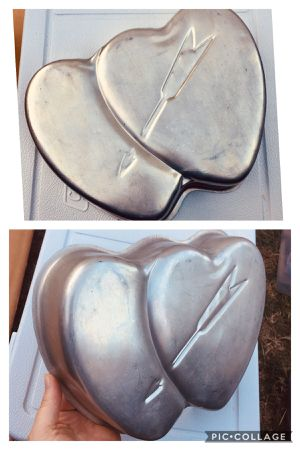 Two hearts with Cupid's arrow cake pan or jello mold for Sale in Paramount, CA