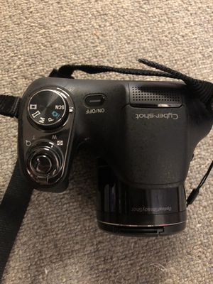 SONY Cybershot DSLR camera, Targus tri-pod, and carrying cases for both! for Sale in Woodbine, MD