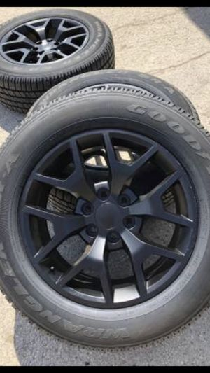 """For sale or trade 20"""" black HoneyComb Rims and tires for sale. 6 lug Chevrolet Silverado Tahoe , Avalanche , GMC Sierra , Yukon Denali and Cadillac for Sale in Dallas, TX"""