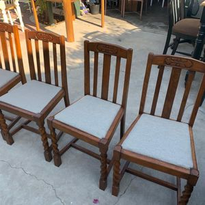 4 BEAUTIFUL ANTIQUE DINING CHAIRS for Sale in Fresno, CA