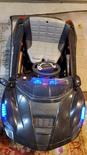 Kids toy car needs charger in good condition for Sale in Princeton, NJ