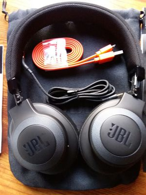 New JBL Over Ear Bluetooth Noise Canceling Headphones for Sale in Los Angeles, CA