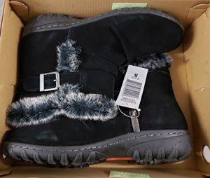 Women's Sz 8 Khombu Boots for Sale in Alexandria, VA