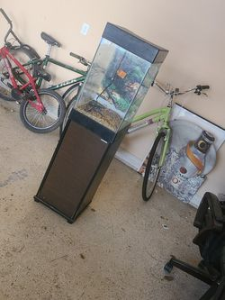 15 Gallon Vertical Fish Tank w/ Stand for Sale in Plano,  TX