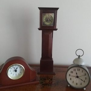 3 Table Top Clocks for Sale in Palm Beach, FL