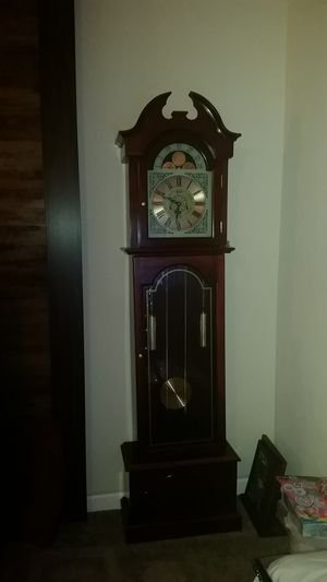 Clock great condition needs the key to set time but there easy to come by for Sale in TN, US