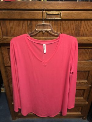 NWOT Zenana Hot Pink V-Neck Top Size 3XL for Sale in Shaker Heights, OH