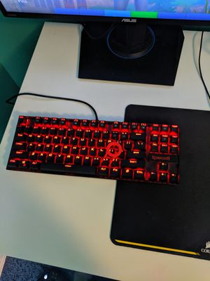 Redragon Mechanical Keyboard with Key remover for Sale in Wichita, KS