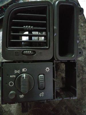 Headlight switch silverado -GMC- Escalade. 2003 -2004-2005-2006. for Sale in Houston, TX