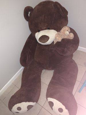 HUGE teddy bear for Sale in Tampa, FL