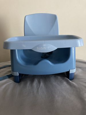 Blue booster seat for Sale in Nashville, TN